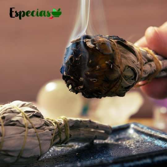 humo de salvia blanca para aromaterapia